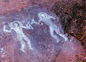 10,000 year old alien cave painting from Val Camonica, Italy showing two beings in protective suits.